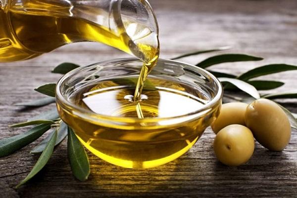 Công thức xóa nếp nhăn bằng dầu Oliu hiệu quả nhất