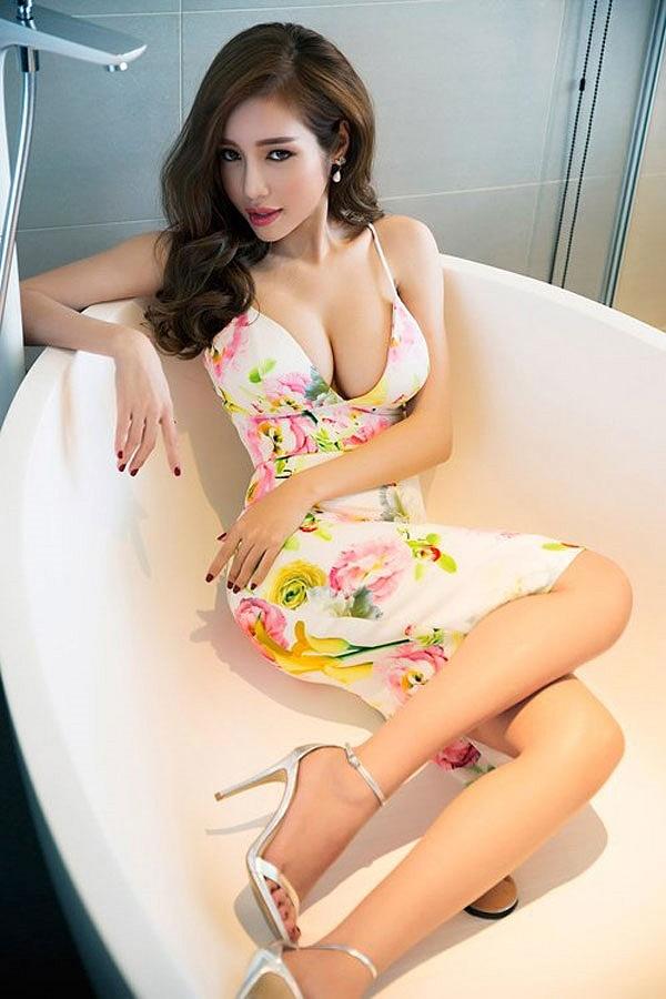 Top 9 mỹ nữ có bộ ngực đẹp nhất showbiz Việt