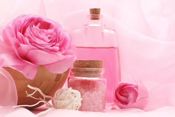 Cách sử dụng nước hoa hồng